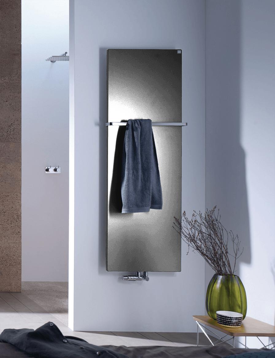Фотография Дизайнерский полотенцесушитель Zehnder Fina Bar 9