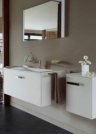 Фотография Дизайнерская мебель ванной хай-тек