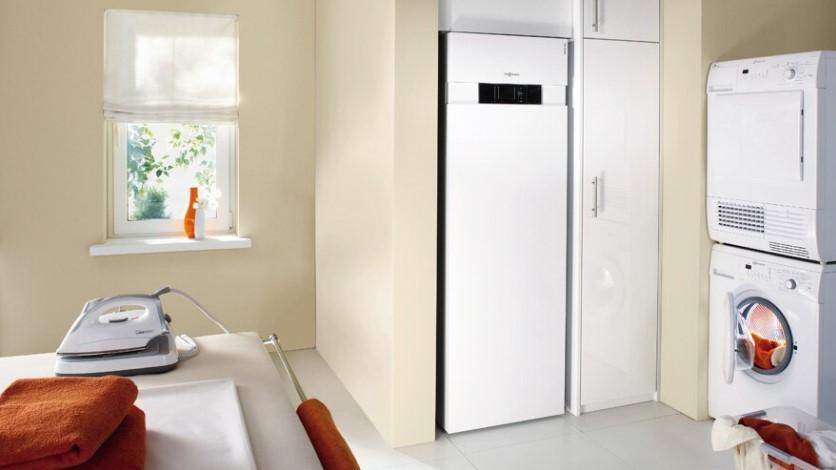 Vitocal 343-G Компактный, тихий тепловой насос для использования солнечной энергии, тепловая мощность: 5,9 - 10,3 кВт, объем водонагревателя 220 литров